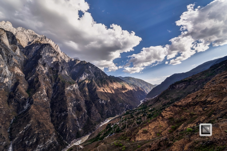 China - Yunnan - Tiger Leaping Gorge-17