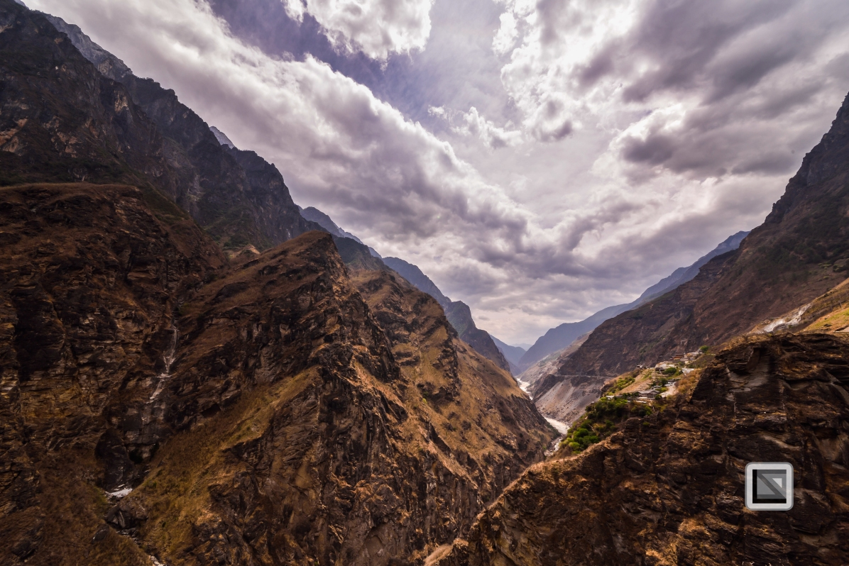 China - Yunnan - Tiger Leaping Gorge-23