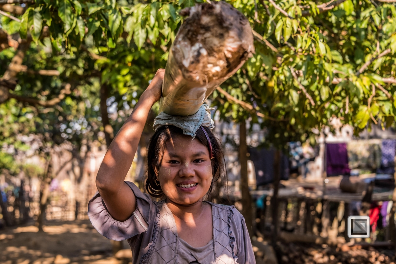 Myanmar Chin Tribe Portraits color Mrauk-U-32