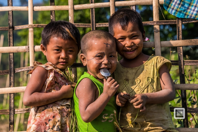 Myanmar Chin Tribe Portraits color Mrauk-U-37