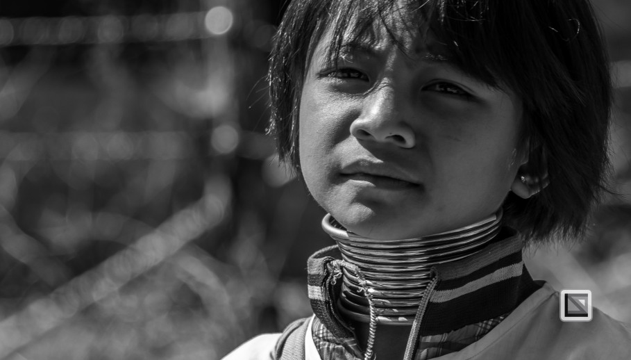 Padaung black n white portraits-13