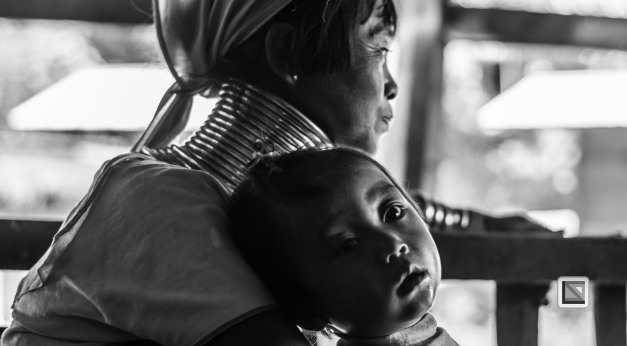Padaung black n white portraits-16
