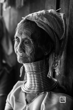 Padaung black n white portraits-19