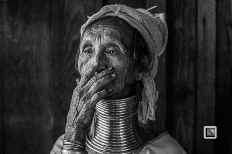 Padaung black n white portraits-31
