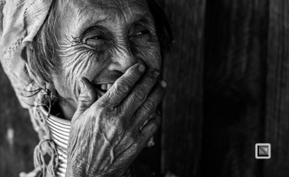 Padaung black n white portraits-39