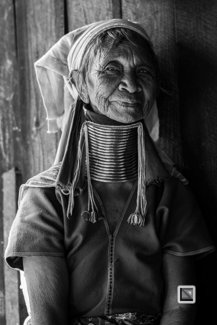 Padaung black n white portraits-44
