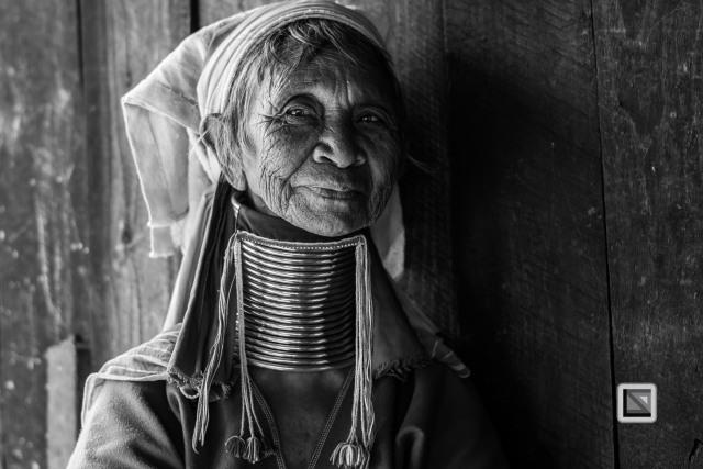Padaung black n white portraits-45