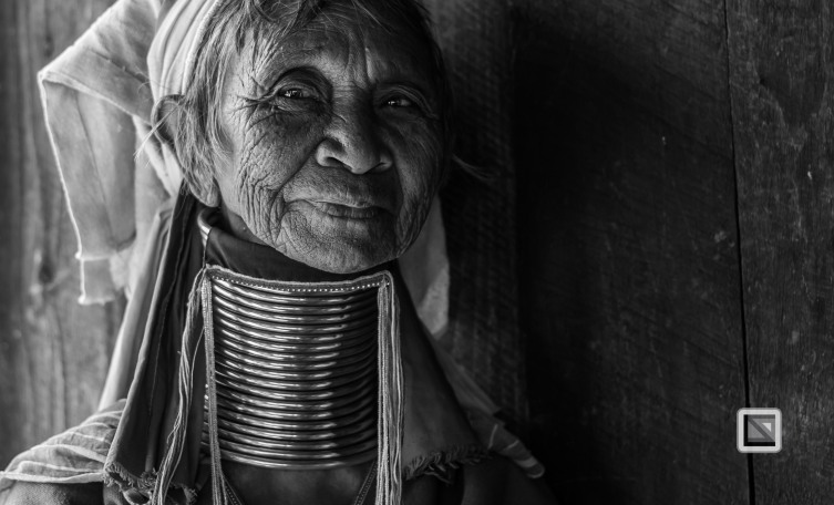 Padaung black n white portraits-46