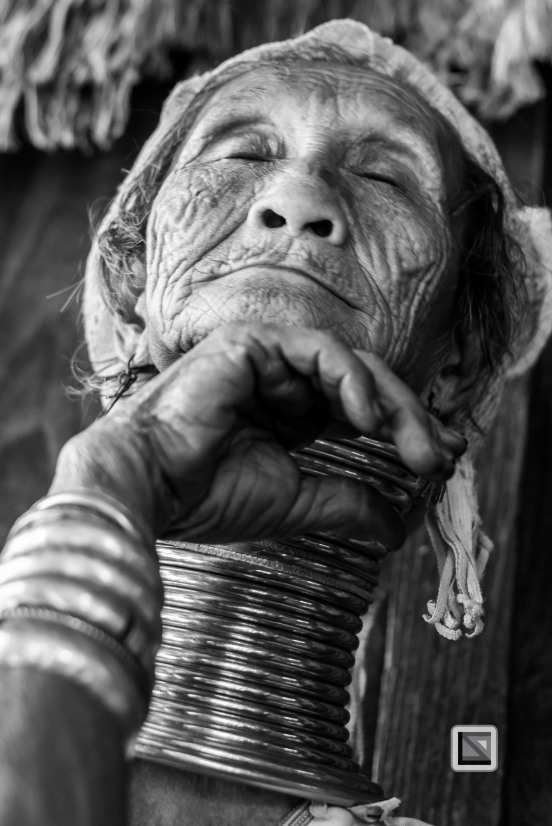 Padaung black n white portraits-53