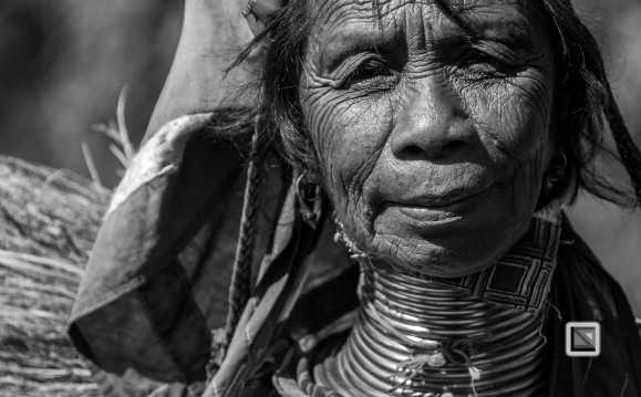 Padaung black n white portraits-70