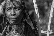 Padaung black n white portraits-74