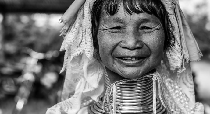 Padaung black n white portraits-80