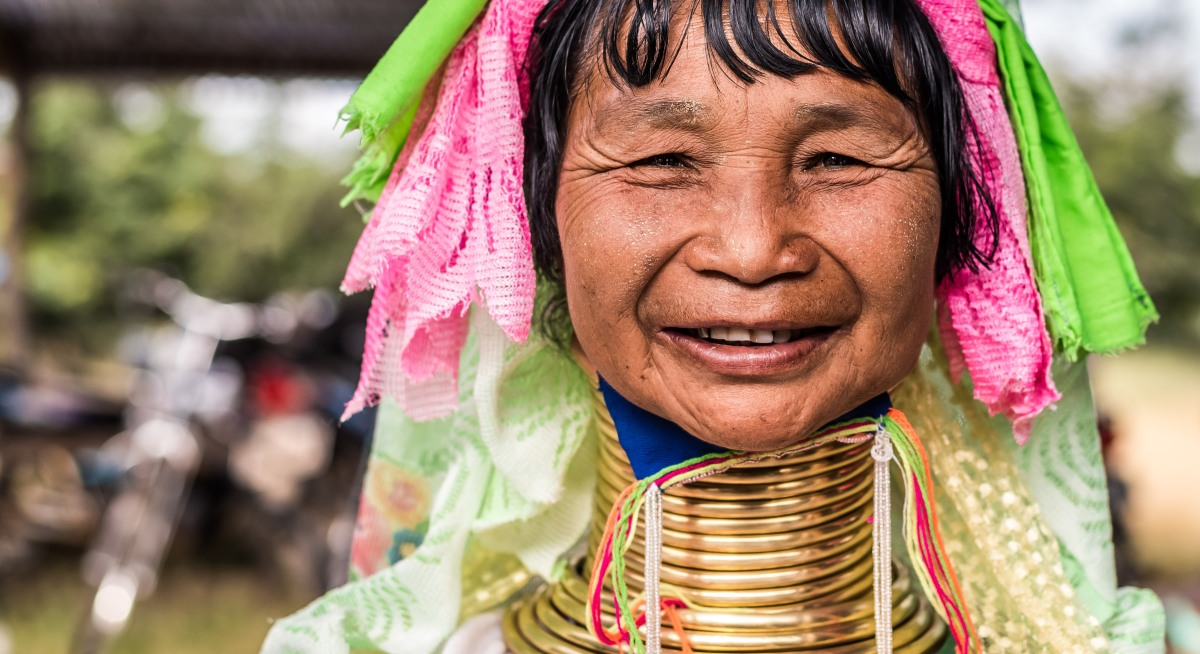 The Padaung (color portraits)