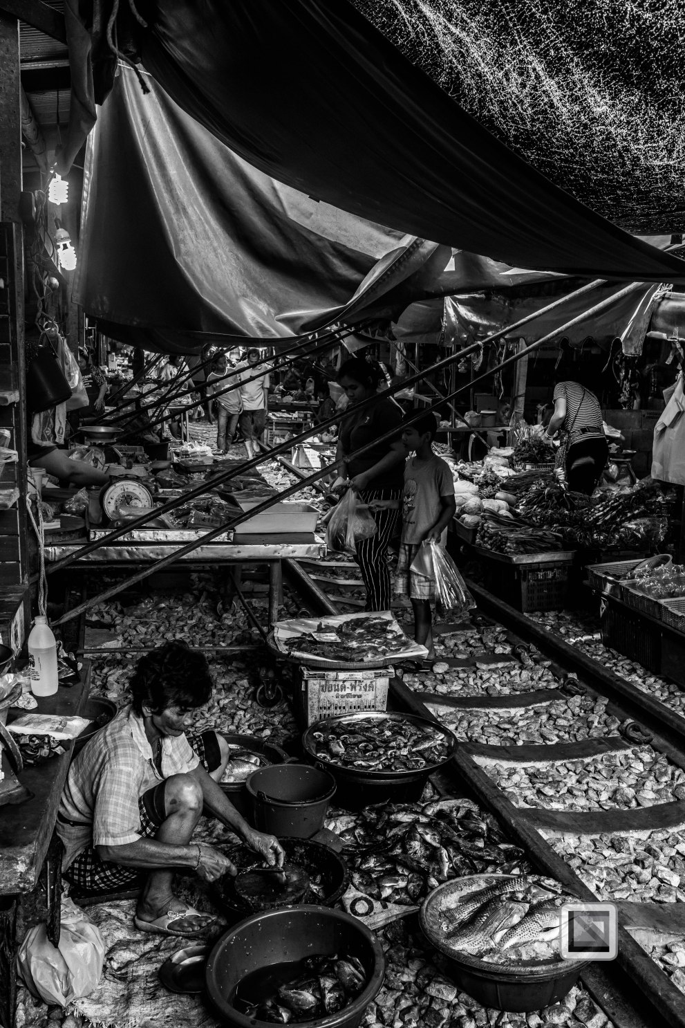 Maeklong Train Market Black and White-20