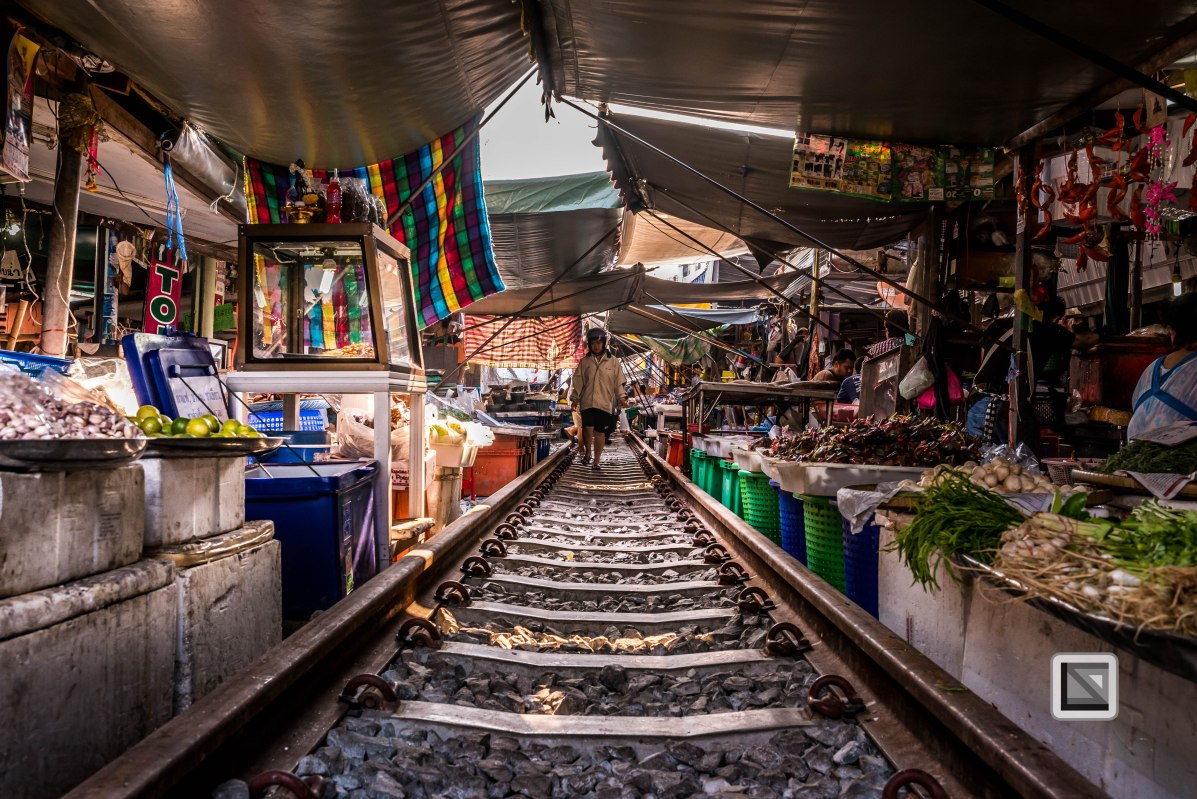 Maeklong Train Market Color-12