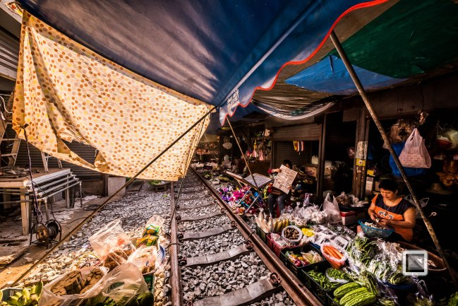 Maeklong Train Market Color-15