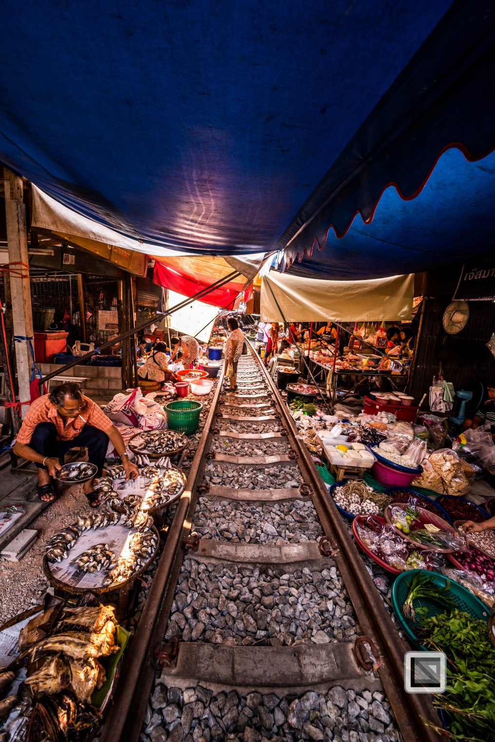 Maeklong Train Market Color-18
