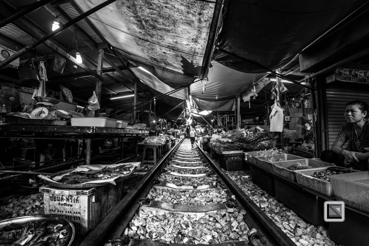 Maeklong Train Market Color-21