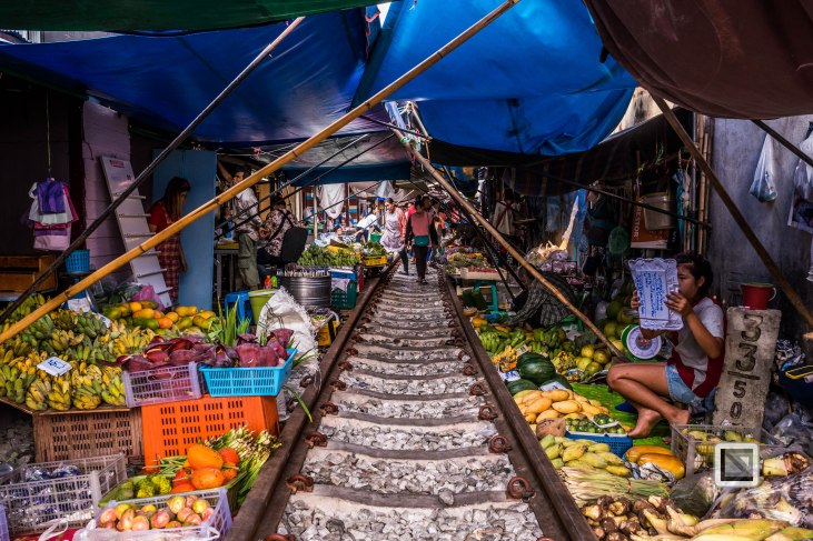 Maeklong Train Market Color-3
