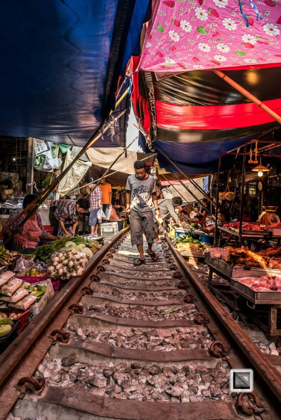 Maeklong Train Market Color-6