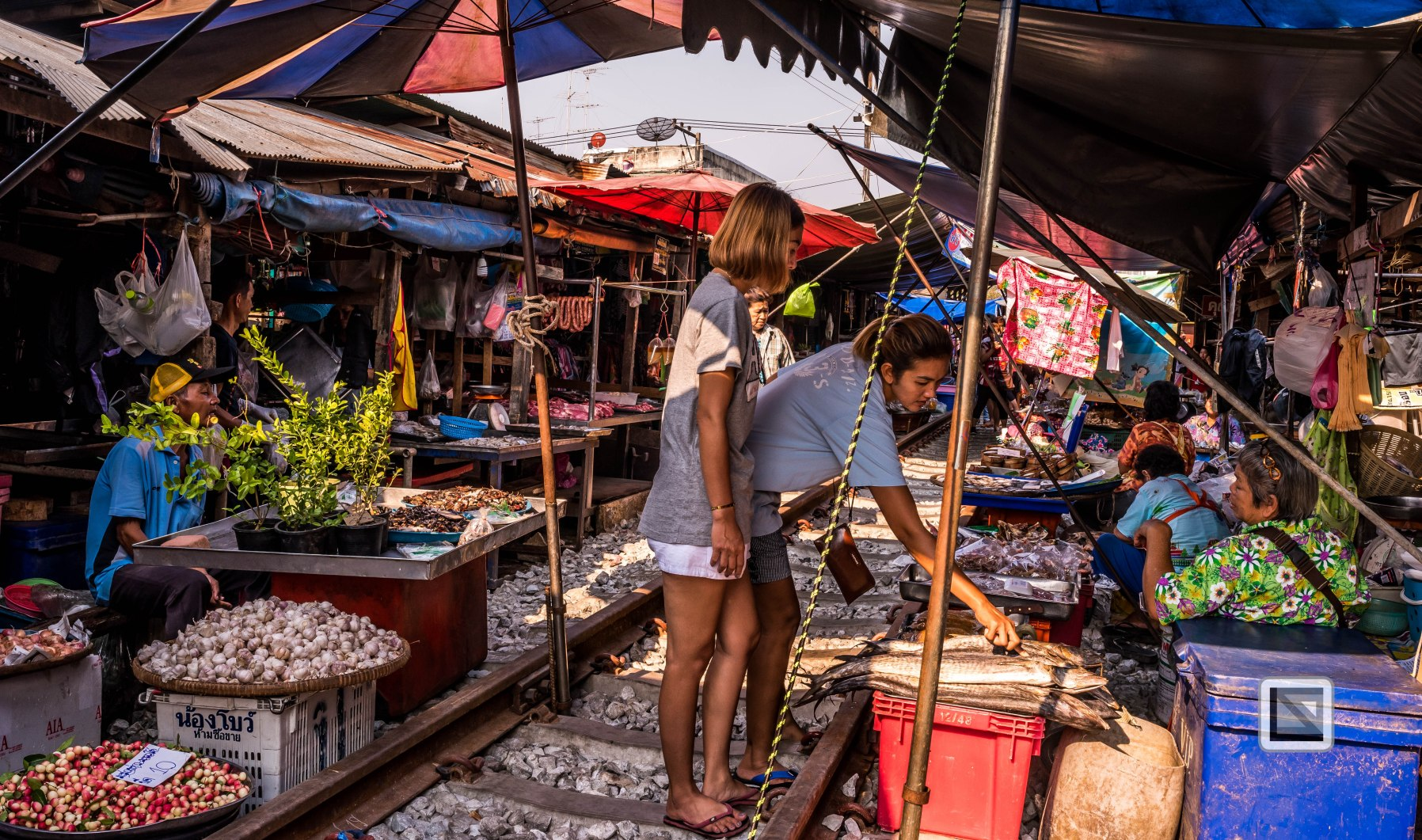 Maeklong Train Market Color-8