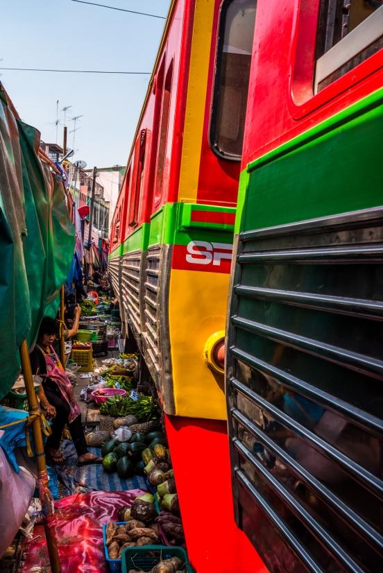 maeklong-train-market-feb-12