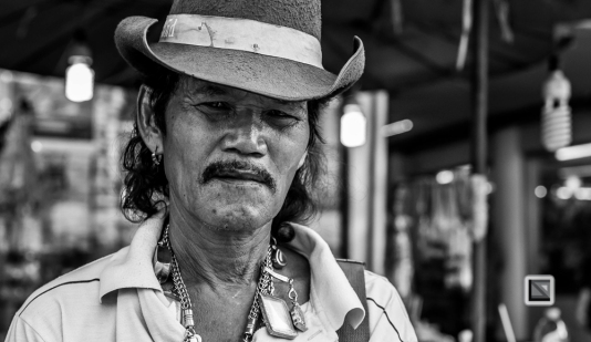 faces of asia -Bangkok black and white-46