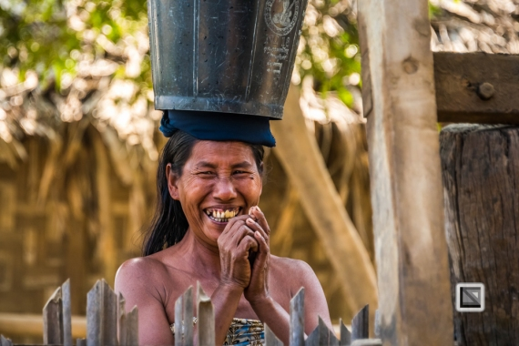 faces of asia -Chidwin River-100