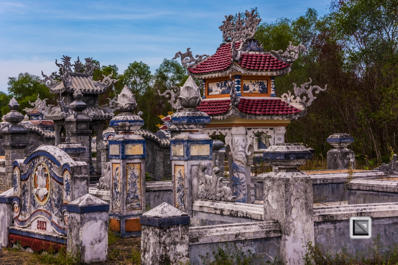 Cementry-Hue_Area-Vietnam-44-2