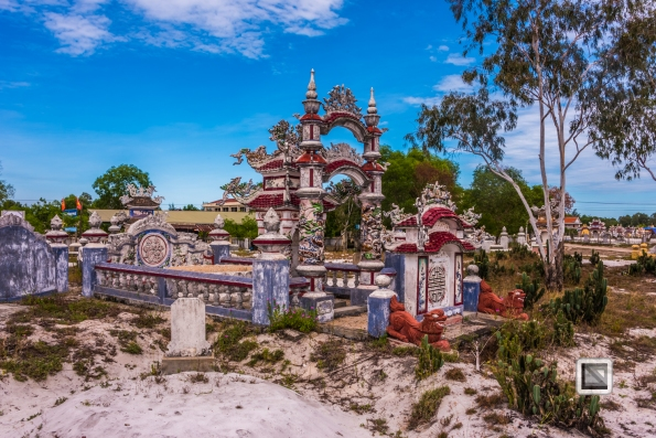 Cementry-Hue_Area-Vietnam-53