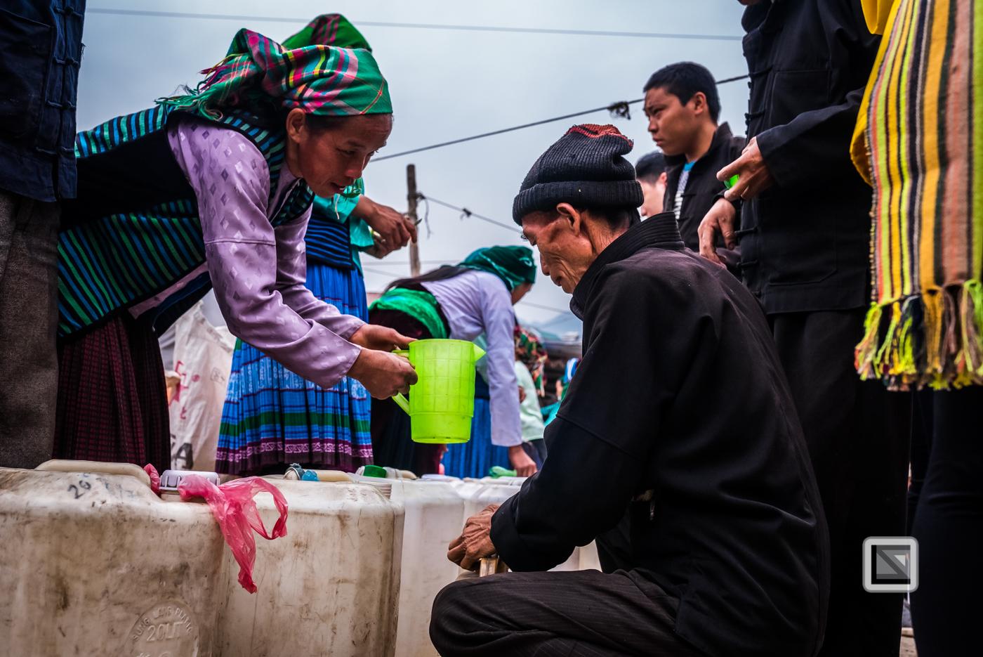 vietnam-ha_giang-dong_van_market-2