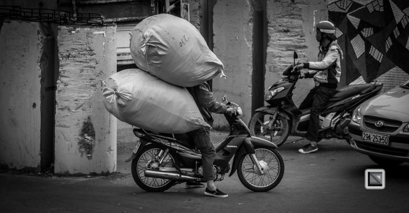 vietnam-hanoi-street_sellers-1