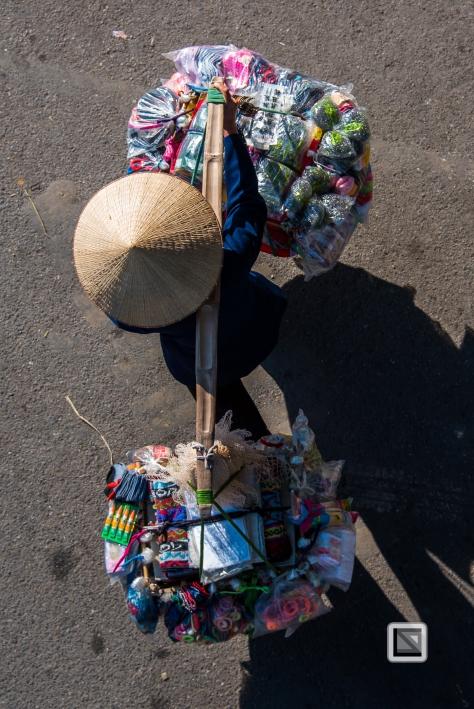 vietnam-hanoi-street_sellers-67