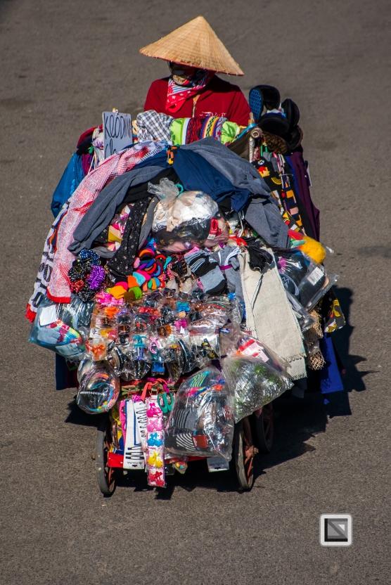 vietnam-hanoi-street_sellers-68