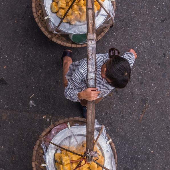 vietnam-hanoi-streetsellers-set2-56