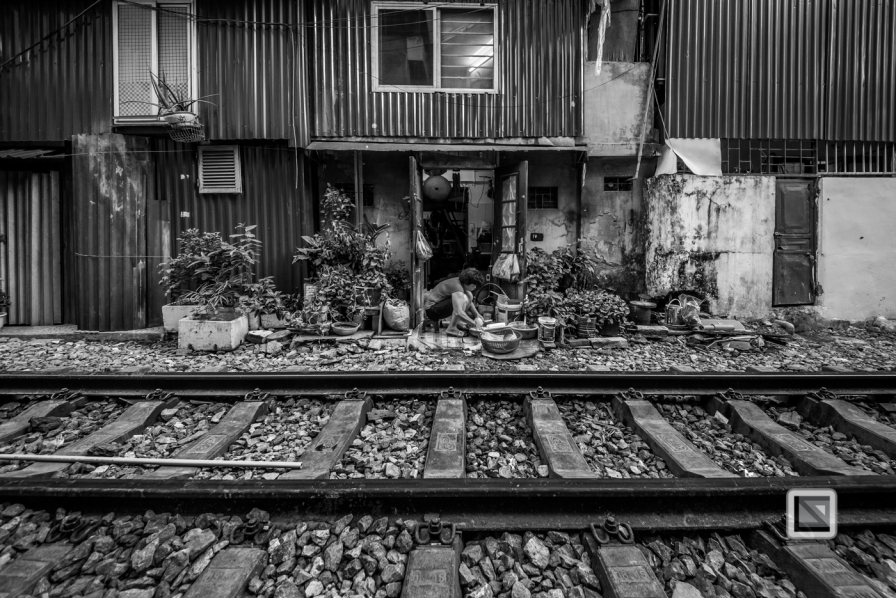 vietnam-hanoi-train_tracks-19-2