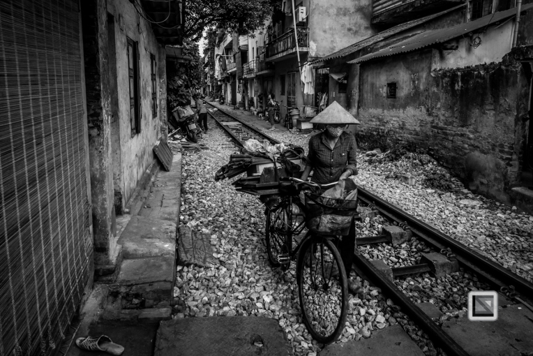 vietnam-hanoi-train_tracks-29-2