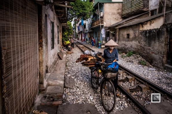 vietnam-hanoi-train_tracks-29