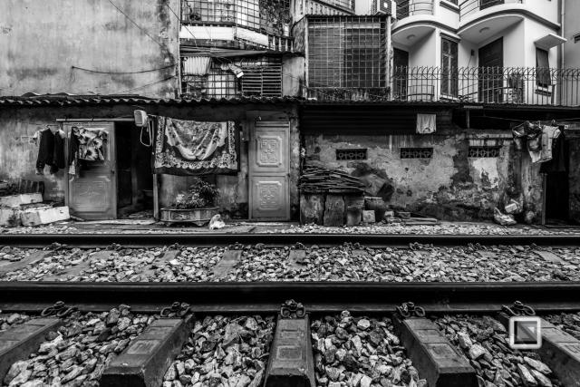 vietnam-hanoi-train_tracks-48