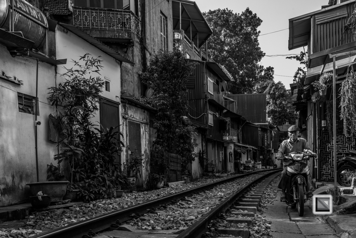 vietnam-hanoi-train_tracks-51-2