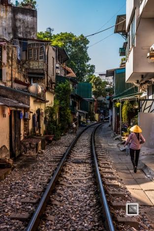 vietnam-hanoi-train_tracks-52