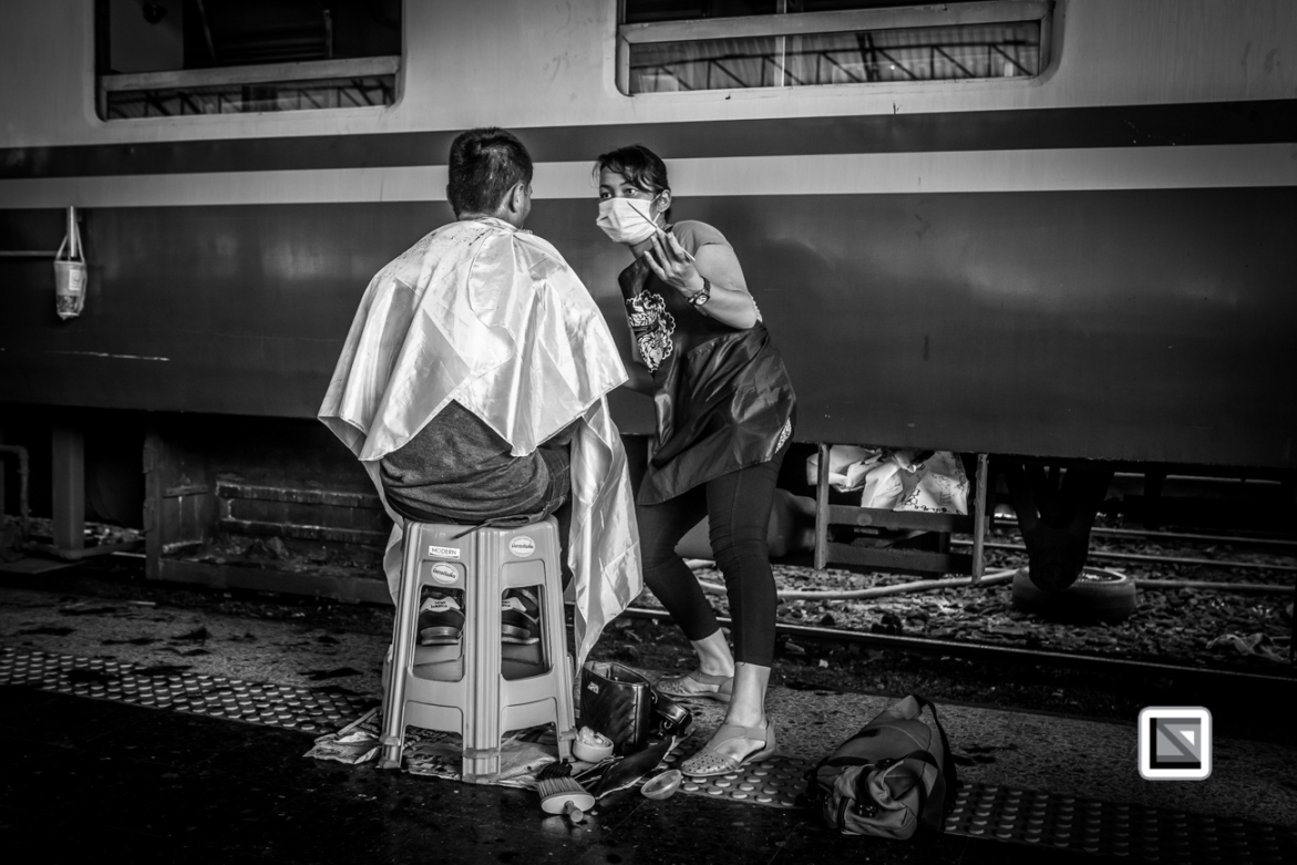 Bangkok_Barbers_Trainstation-32-2