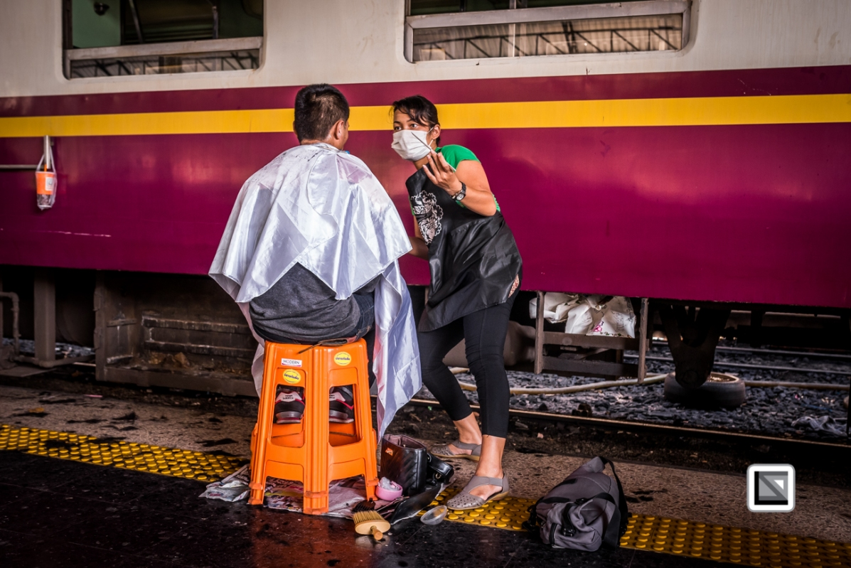 Bangkok_Barbers_Trainstation-32