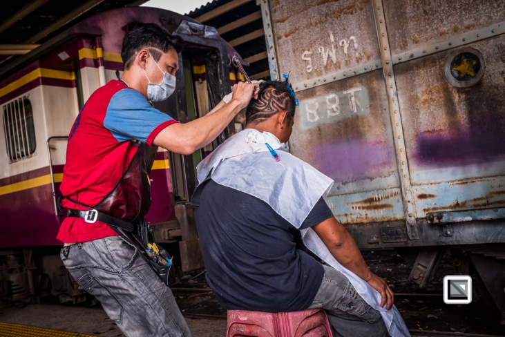 Bangkok_Barbers_Trainstation-47