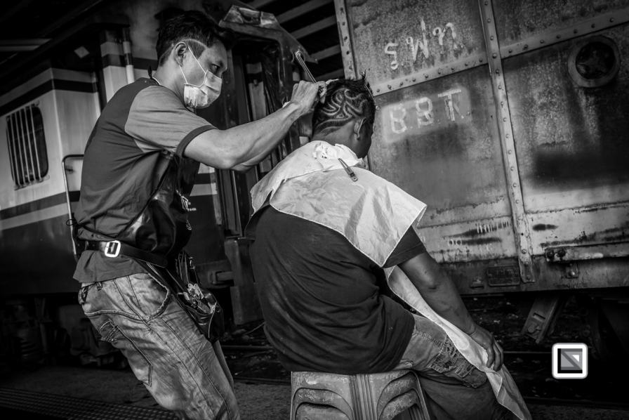 Bangkok_Barbers_Trainstation-48-2