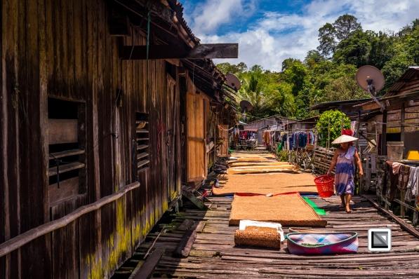 Malaysia-Sarawak-Longhouse-Rumah_Bundong-81