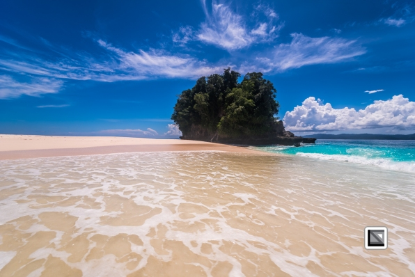 Indonesia-Castaway-0565