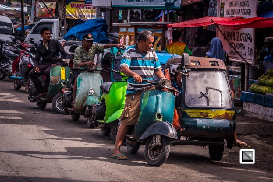 Indonesia-Sumatra-Nopan-VespaParadise-0677
