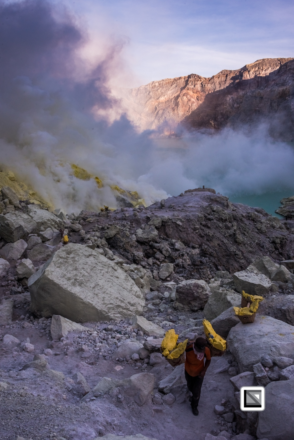Indonesia-Java-Ijen_Volcano-180