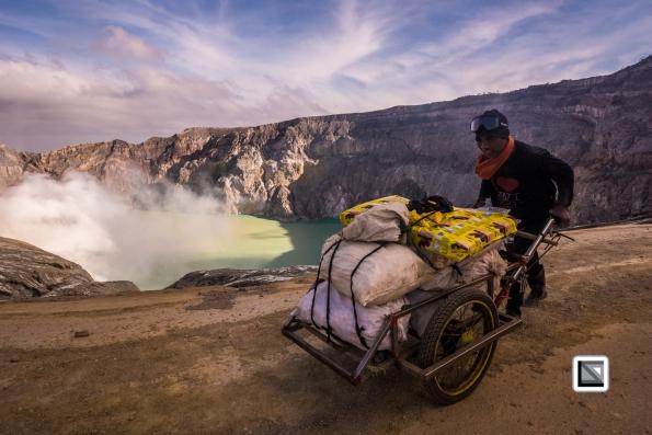 Indonesia-Java-Ijen_Volcano-220
